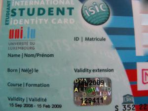 留学に役立つISICカードの説明。元を取りやすい、定番の国際学生証!